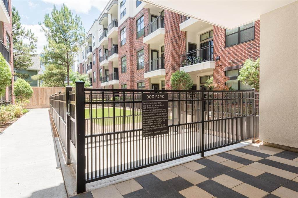25. High or Mid-Rise Condo for Rent at 919 Gillette Street #1070 919 Gillette Street Houston, Texas 77019 United States
