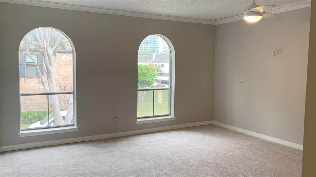 14. Condo / Townhouse for Rent at 3803 Wakeforest Street Houston, Texas 77098 United States