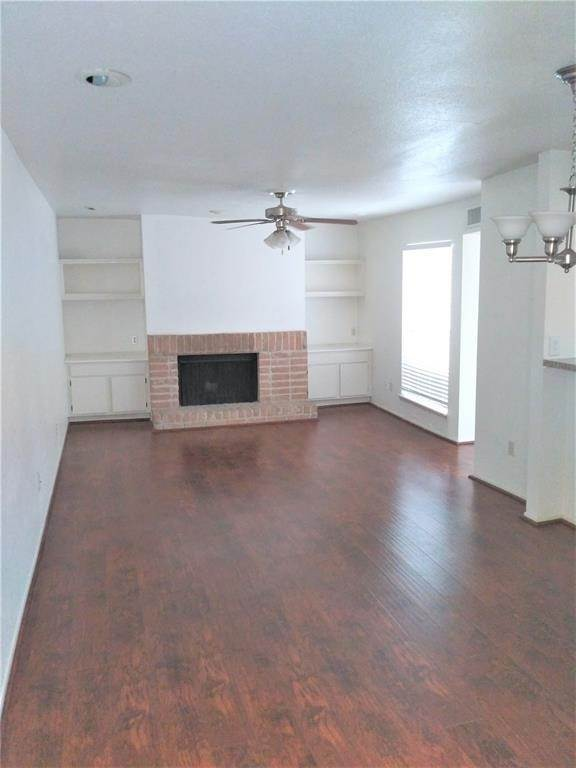 Condo / Townhouse for Rent at 9809 Richmond Avenue #B15 9809 Richmond Avenue Houston, Texas 77042 United States