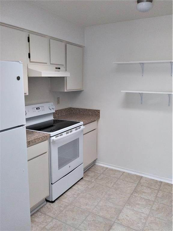 3. Condo / Townhouse for Rent at 9809 Richmond Avenue #B15 9809 Richmond Avenue Houston, Texas 77042 United States