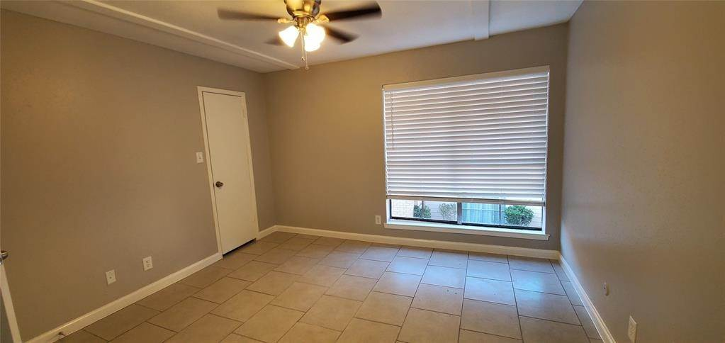 12. Condo / Townhouse for Rent at 6200 W Tidwell Road #2405 6200 W Tidwell Road Houston, Texas 77092 United States