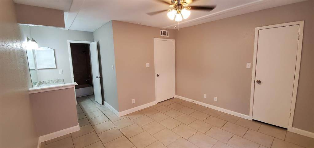 15. Condo / Townhouse for Rent at 6200 W Tidwell Road #2405 6200 W Tidwell Road Houston, Texas 77092 United States