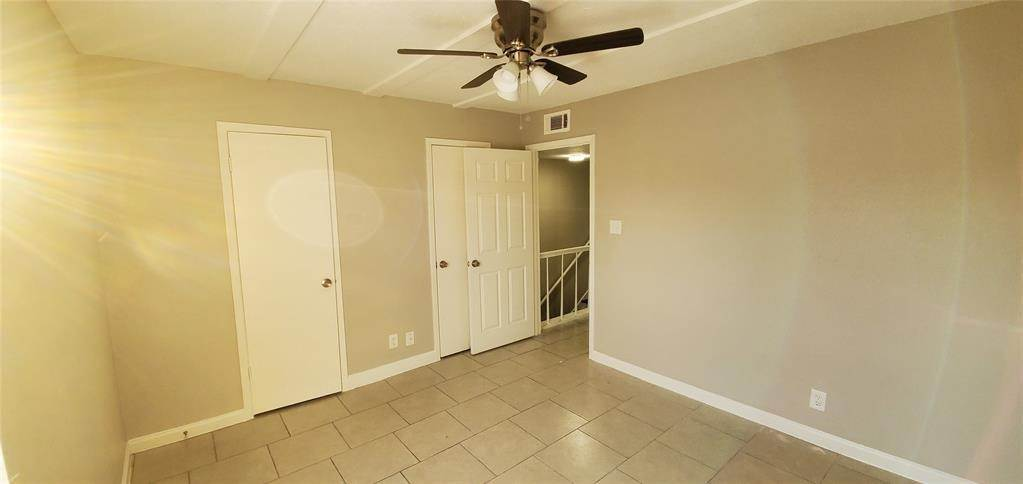 23. Condo / Townhouse for Rent at 6200 W Tidwell Road #2405 6200 W Tidwell Road Houston, Texas 77092 United States