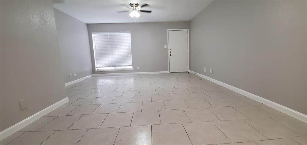 5. Condo / Townhouse for Rent at 6200 W Tidwell Road #2405 6200 W Tidwell Road Houston, Texas 77092 United States