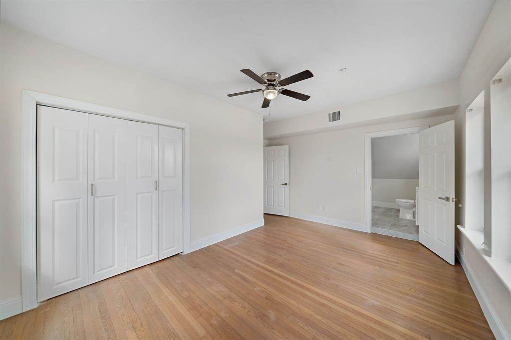 25. Single Family Homes for Rent at 1802 Wentworth Street #1 1802 Wentworth Street Houston, Texas 77004 United States