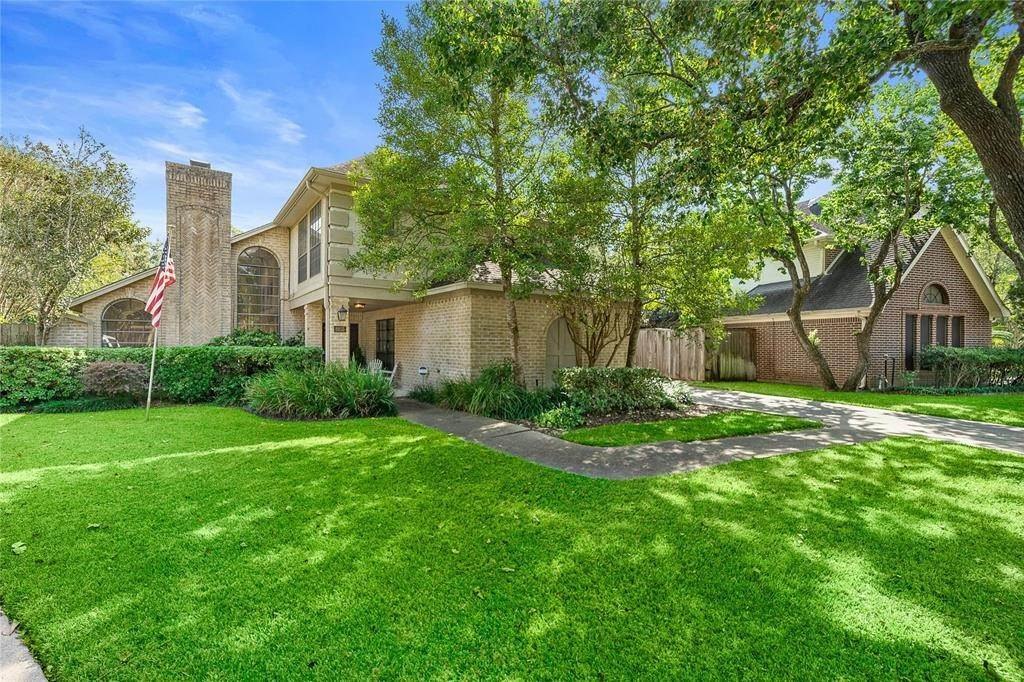Single Family for Sale at 8855 Merlin Court Spring Valley Village, Texas 77055 United States