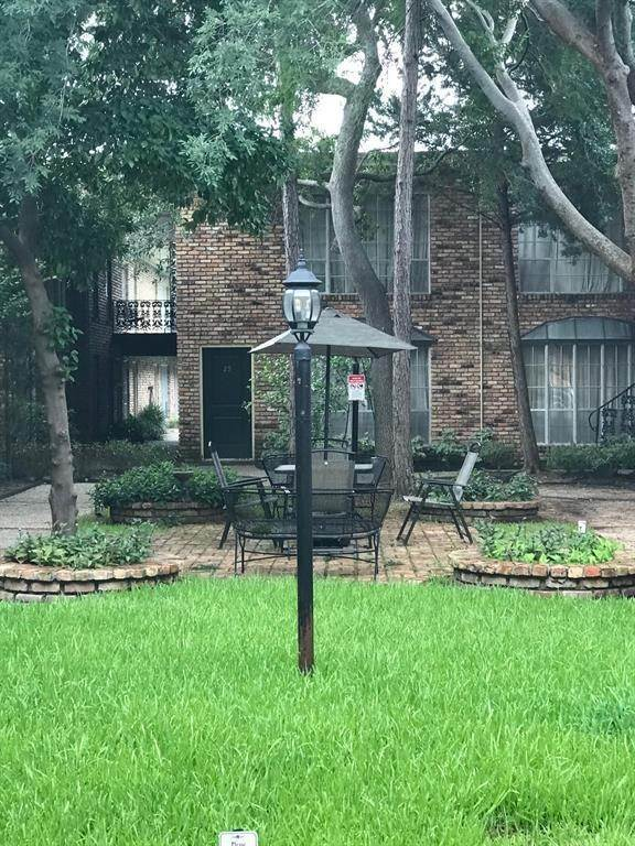 Condo / Townhouse for Rent at 2503 Mccue Road #12 2503 Mccue Road Houston, Texas 77056 United States