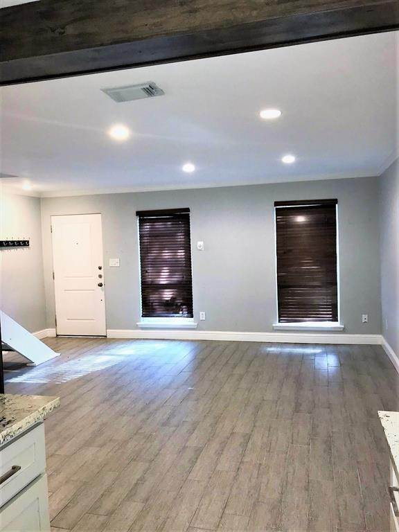 3. Condo / Townhouse for Rent at 2503 Mccue Road #12 2503 Mccue Road Houston, Texas 77056 United States
