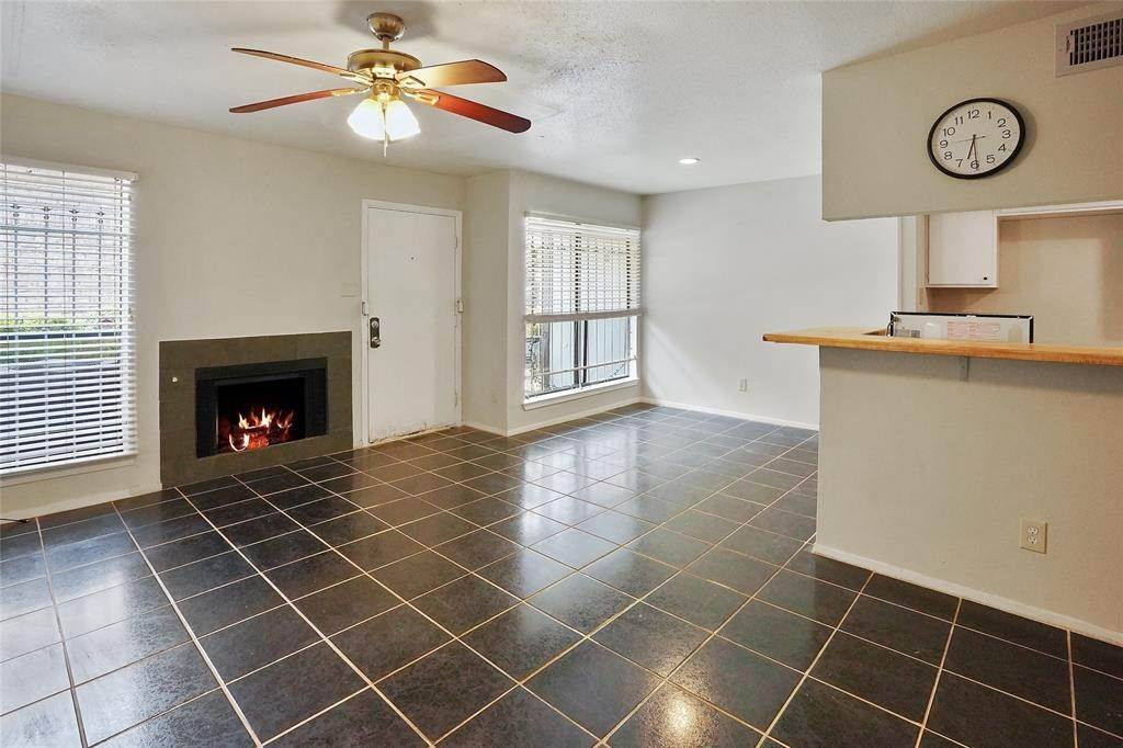 3. Condo / Townhouse for Rent at 6633 W Airport Boulevard #1208 6633 W Airport Boulevard Houston, Texas 77035 United States