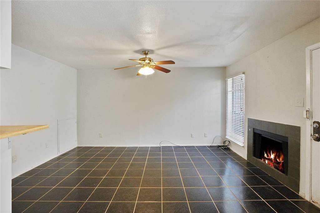 4. Condo / Townhouse for Rent at 6633 W Airport Boulevard #1208 6633 W Airport Boulevard Houston, Texas 77035 United States