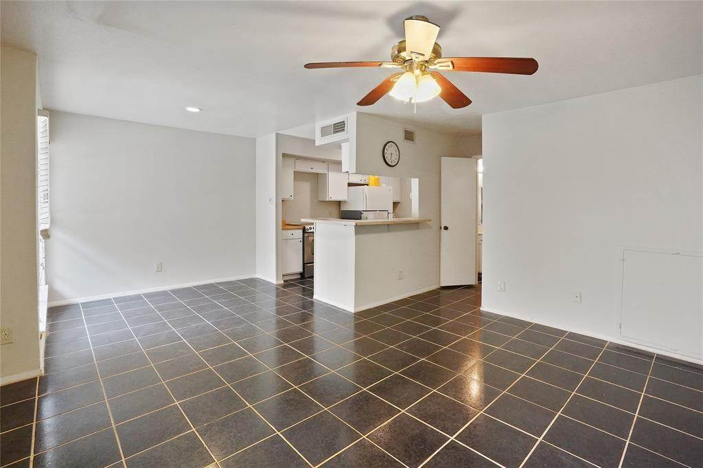 5. Condo / Townhouse for Rent at 6633 W Airport Boulevard #1208 6633 W Airport Boulevard Houston, Texas 77035 United States