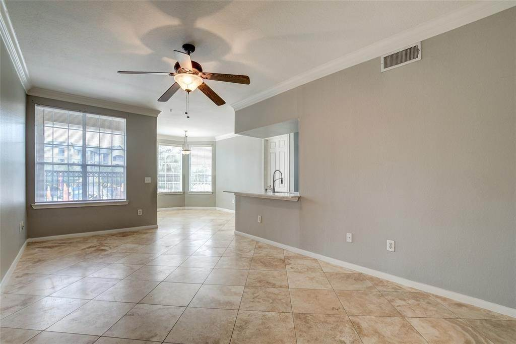 5. High or Mid-Rise Condo for Rent at 7575 Kirby Drive #1101 7575 Kirby Drive Houston, Texas 77030 United States