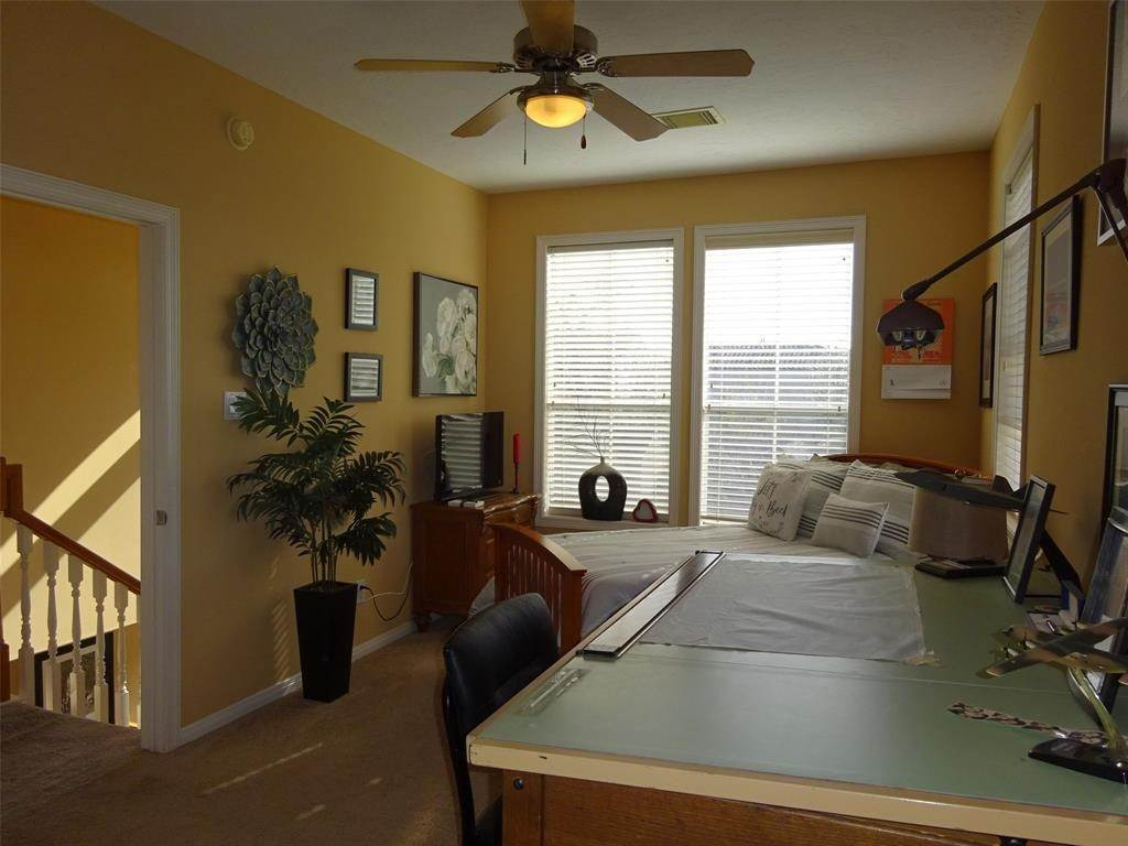 11. Condo / Townhouse for Rent at 4408 Feagan Street #A 4408 Feagan Street Houston, Texas 77007 United States