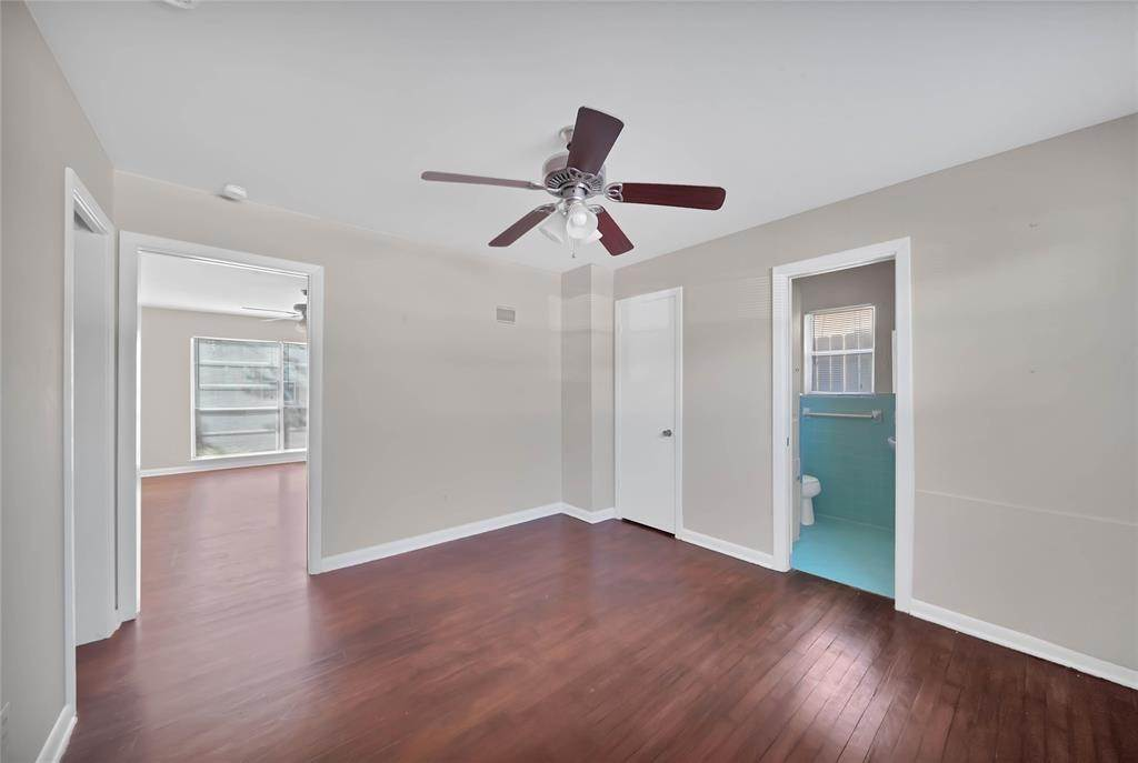 14. Single Family Homes for Rent at 1914 Mcduffie Street #2 1914 Mcduffie Street Houston, Texas 77019 United States