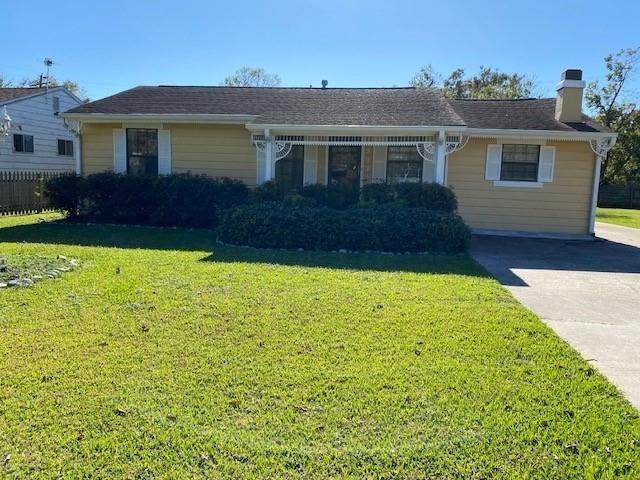 Single Family for Sale at 3111 Ash Avenue Groves, Texas 77619 United States