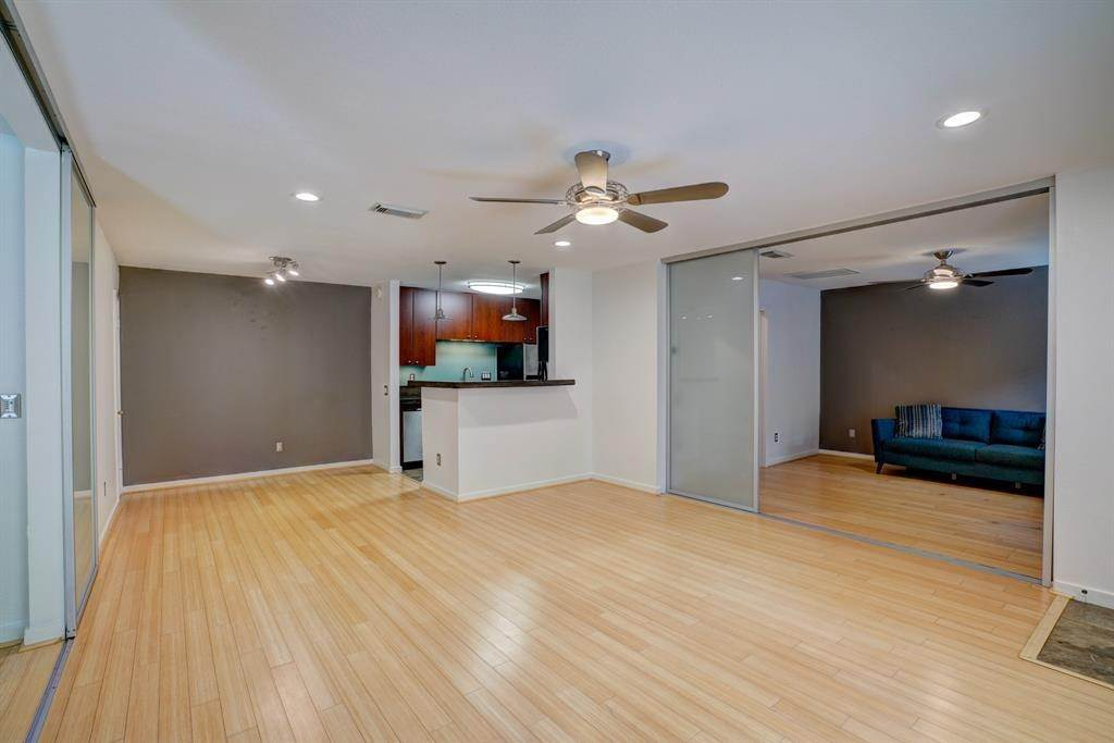 Condo / Townhouse for Rent at 1860 White Oak Drive #339 1860 White Oak Drive Houston, Texas 77009 United States