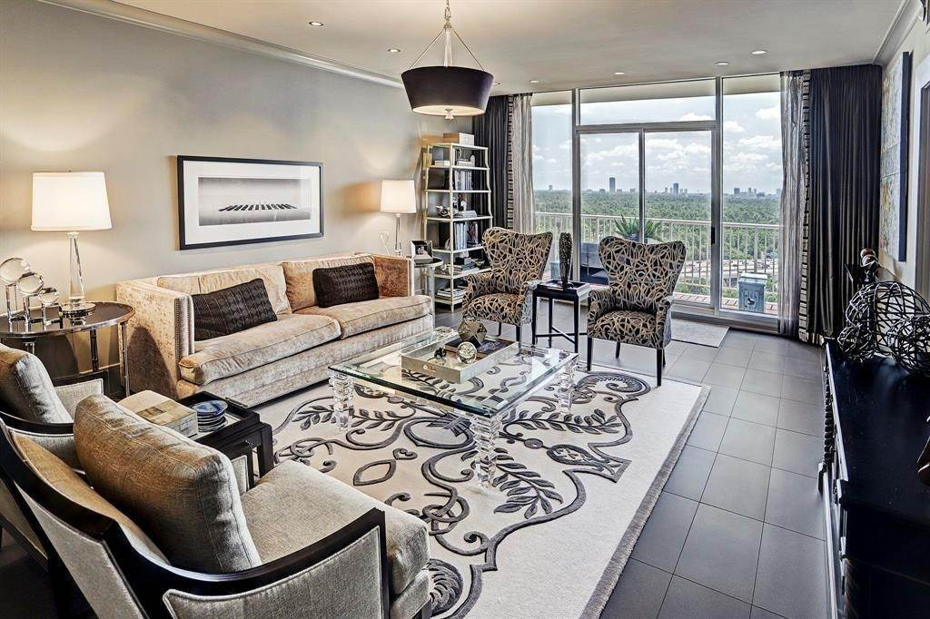 High or Mid-Rise Condo for Rent at 121 N Post Oak Lane #1805 121 N Post Oak Lane Houston, Texas 77024 United States