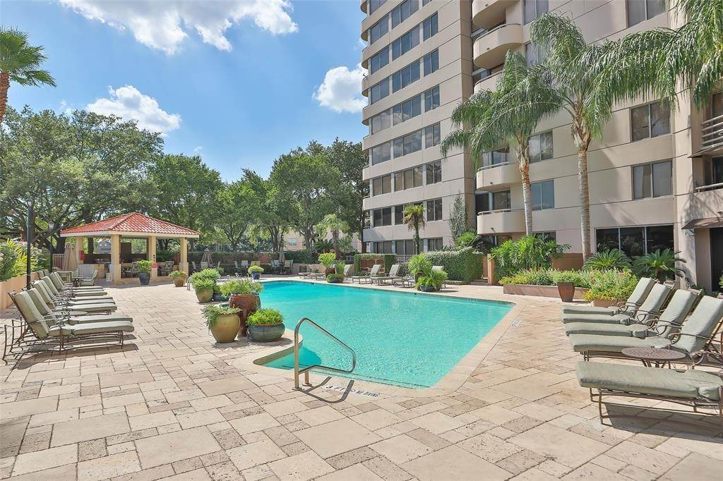 42. High or Mid-Rise Condo for Rent at 3525 Sage Road #1709 3525 Sage Road Houston, Texas 77056 United States