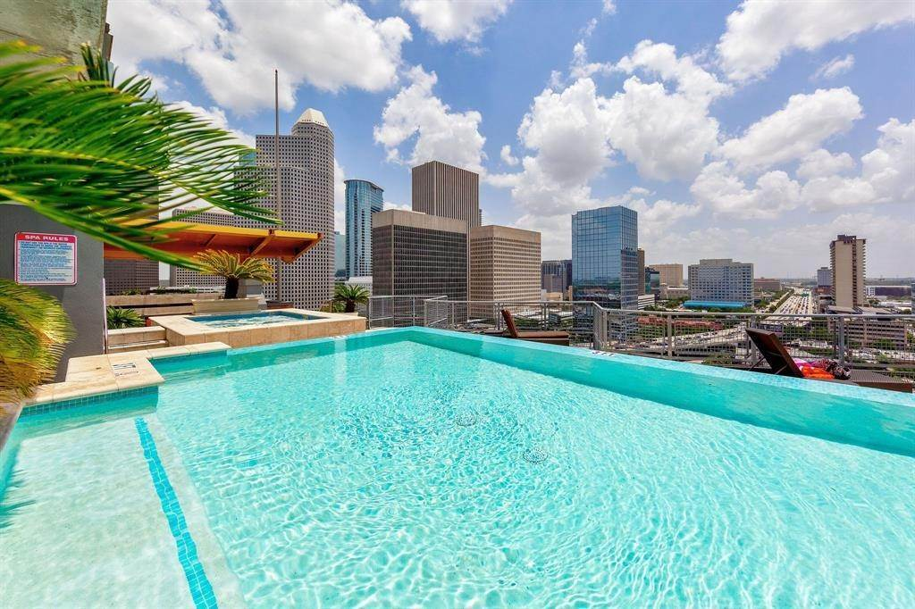 High or Mid-Rise Condo for Sale at 2000 Bagby Street #5423 2000 Bagby Street Houston, Texas 77002 United States