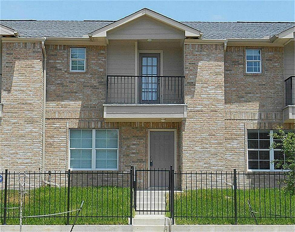 Condo / Townhouse for Rent at 10068 Emnora Lane Houston, Texas 77080 United States