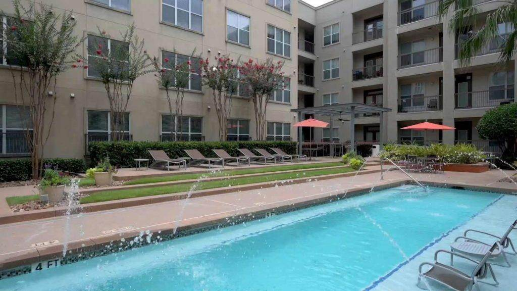 10. High or Mid-Rise Condo for Rent at 3660 Richmond Avenue #369 3660 Richmond Avenue Houston, Texas 77046 United States