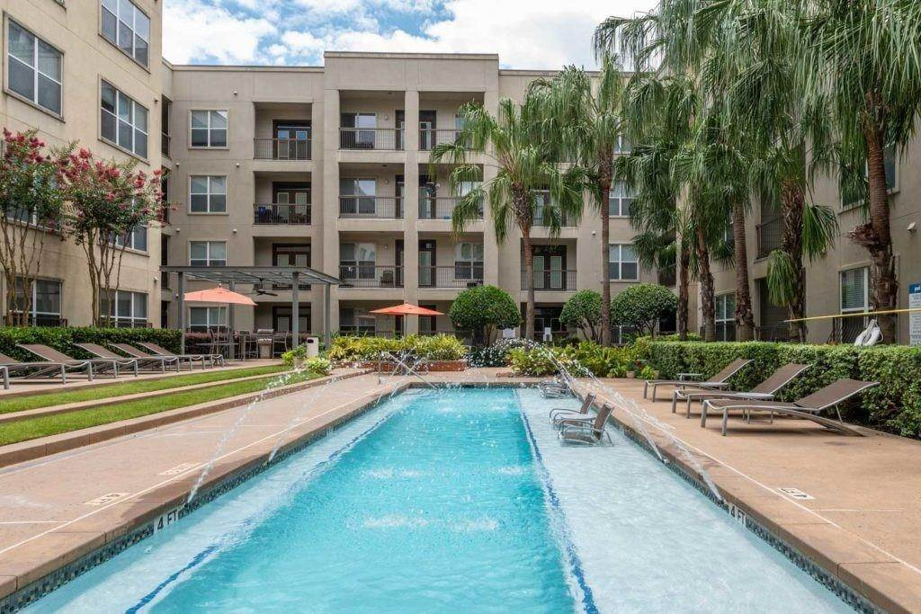 3. High or Mid-Rise Condo for Rent at 3660 Richmond Avenue #369 3660 Richmond Avenue Houston, Texas 77046 United States