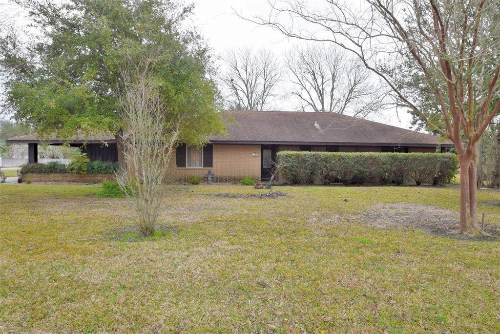 Single Family for Sale at 1332 Weeks Avenue High Island, Texas 77623 United States