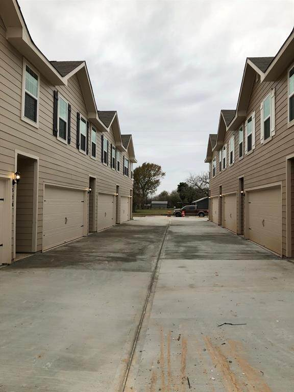 Condo / Townhouse for Rent at 586 Soloman Lane Brookshire, Texas 77423 United States