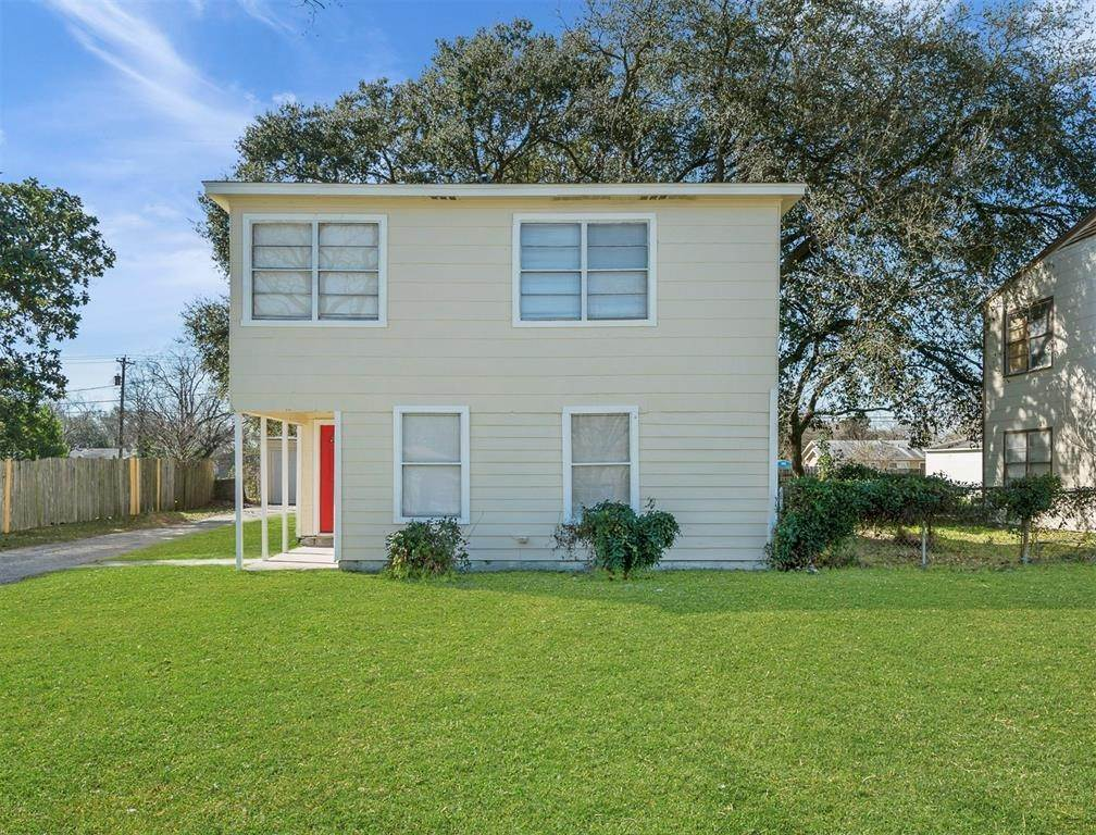 13. Single Family Homes for Rent at 13 13th Street #15 13 13th Street Texas City, Texas 77590 United States