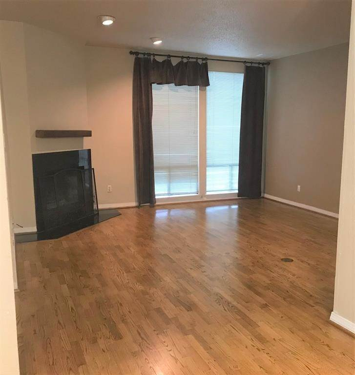 2. Condo / Townhouse for Rent at 1112 Bering Drive #67 1112 Bering Drive Houston, Texas 77057 United States