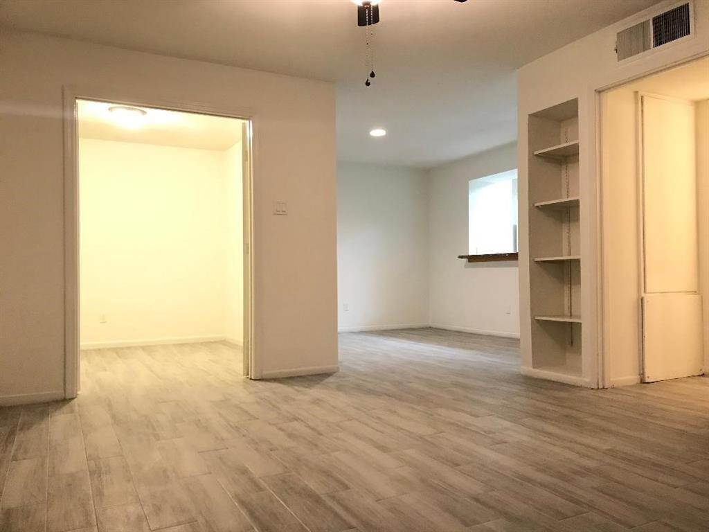 6. Condo / Townhouse for Rent at 3131 Cummins Street #23 3131 Cummins Street Houston, Texas 77027 United States