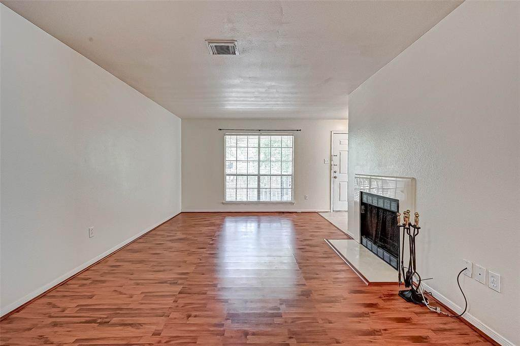 10. Condo / Townhouse for Rent at 2626 Holly Hall Street #316 2626 Holly Hall Street Houston, Texas 77054 United States