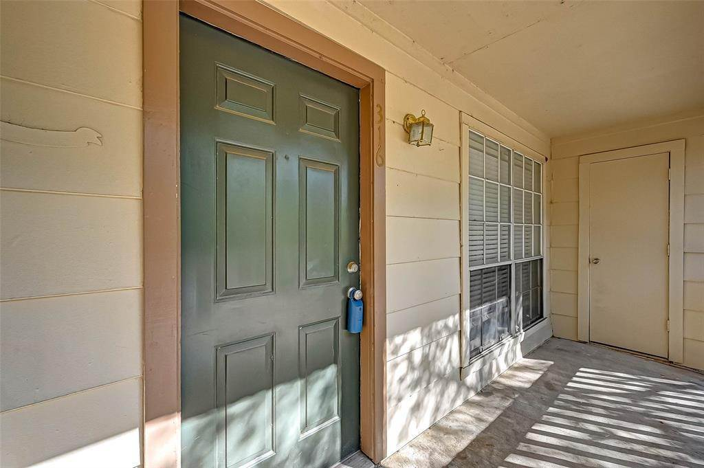 2. Condo / Townhouse for Rent at 2626 Holly Hall Street #316 2626 Holly Hall Street Houston, Texas 77054 United States