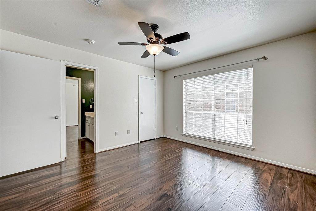 22. Condo / Townhouse for Rent at 2626 Holly Hall Street #316 2626 Holly Hall Street Houston, Texas 77054 United States