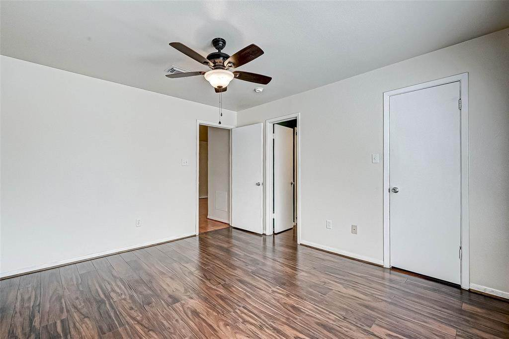 23. Condo / Townhouse for Rent at 2626 Holly Hall Street #316 2626 Holly Hall Street Houston, Texas 77054 United States