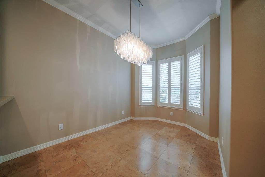 11. Condo / Townhouse for Rent at 105 Detering Street #D 105 Detering Street Houston, Texas 77007 United States