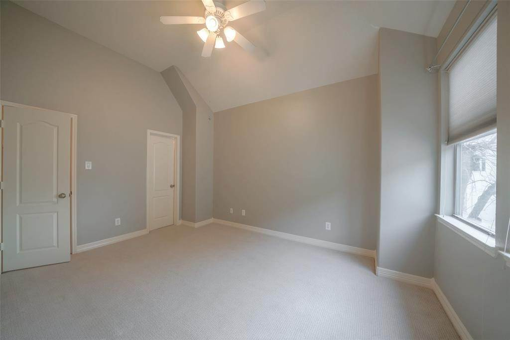 23. Condo / Townhouse for Rent at 105 Detering Street #D 105 Detering Street Houston, Texas 77007 United States