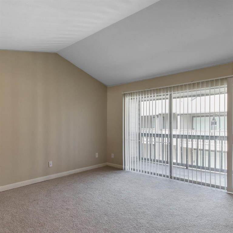10. High or Mid-Rise Condo for Rent at 9940 N Richmond Ave #2007 9940 N Richmond Ave Houston, Texas 77042 United States