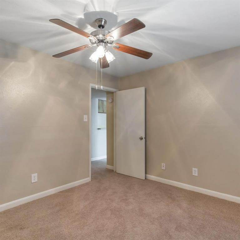 11. High or Mid-Rise Condo for Rent at 9940 N Richmond Ave #2007 9940 N Richmond Ave Houston, Texas 77042 United States