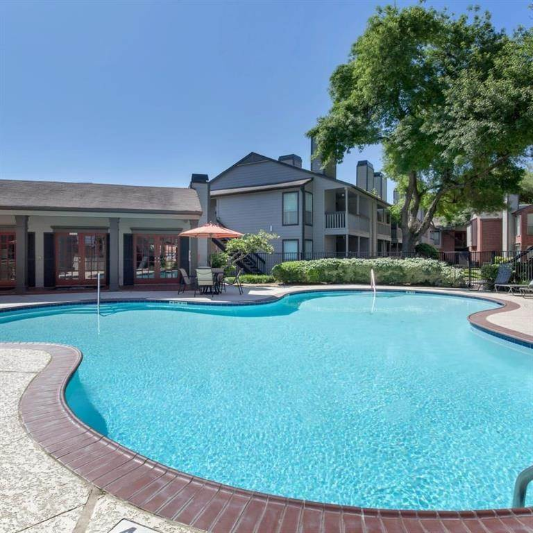 13. High or Mid-Rise Condo for Rent at 9940 N Richmond Ave #2007 9940 N Richmond Ave Houston, Texas 77042 United States