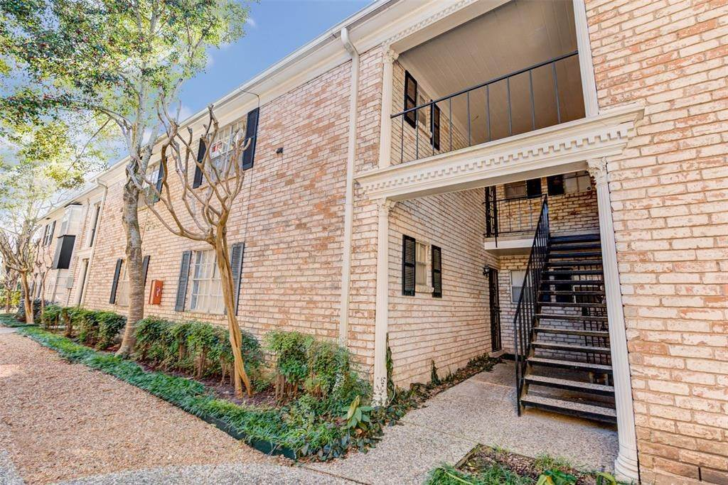 Condo / Townhouse for Rent at 7900 Westheimer Road #246 7900 Westheimer Road Houston, Texas 77063 United States