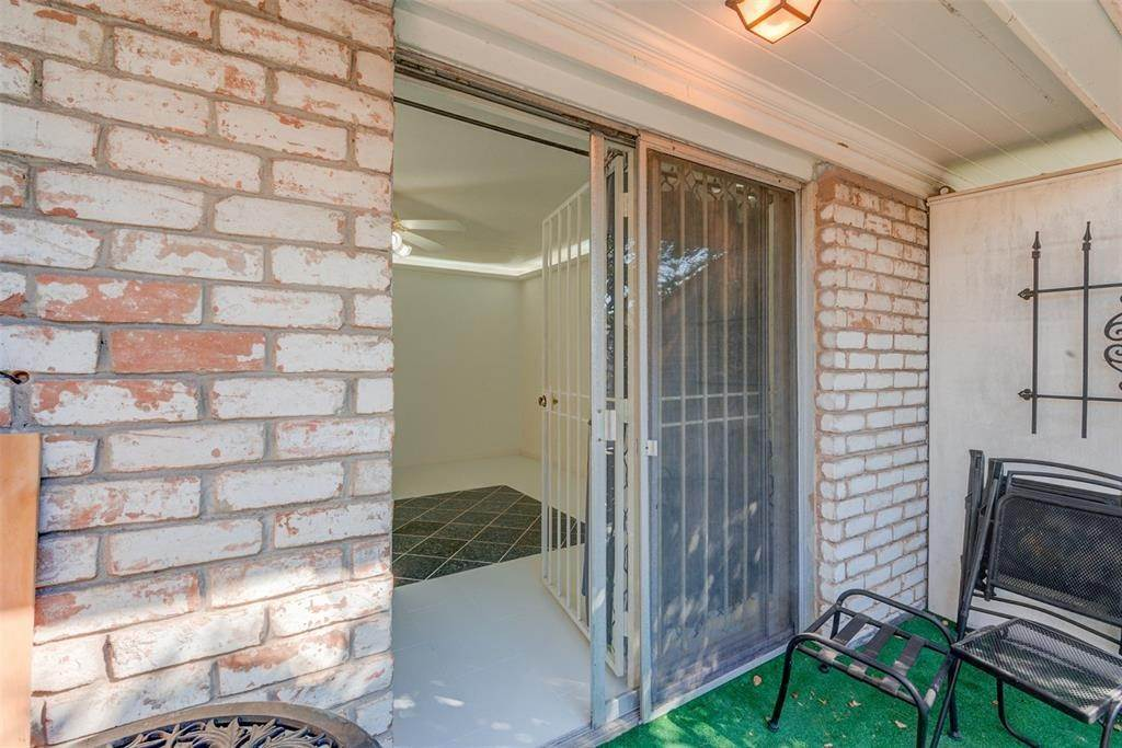 18. Condo / Townhouse for Rent at 7900 Westheimer Road #246 7900 Westheimer Road Houston, Texas 77063 United States