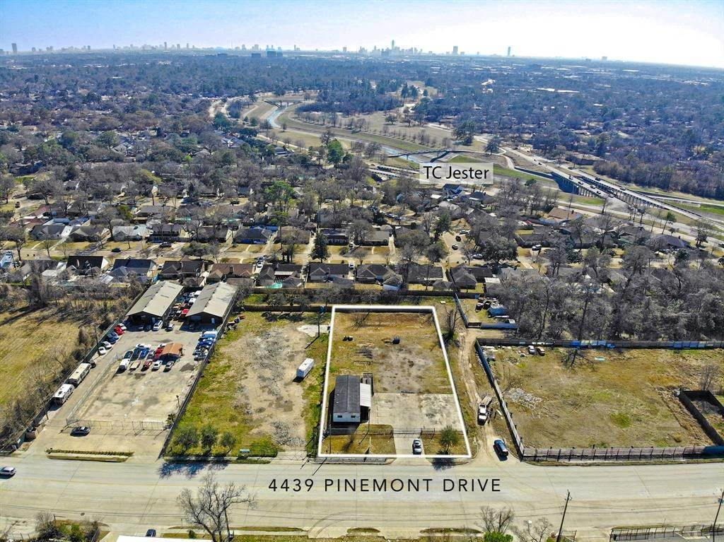 13. Residential Lots & Land for Rent at 4439 Pinemont Drive Houston, Texas 77018 United States