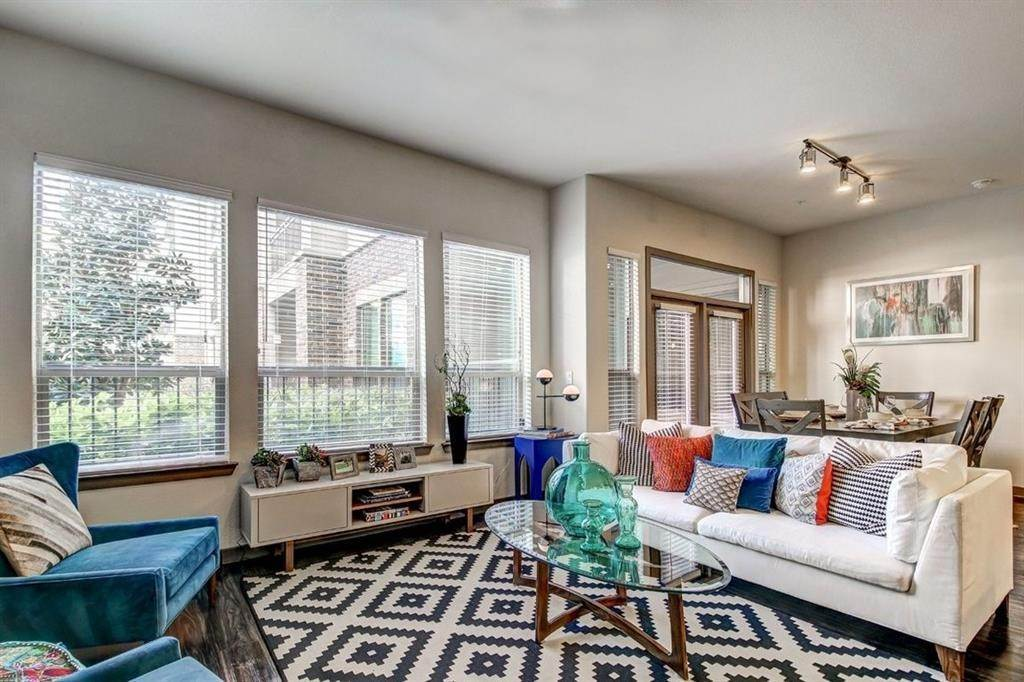High or Mid-Rise Condo for Rent at 935 N Wilcrest Drive #2048 935 N Wilcrest Drive Houston, Texas 77079 United States