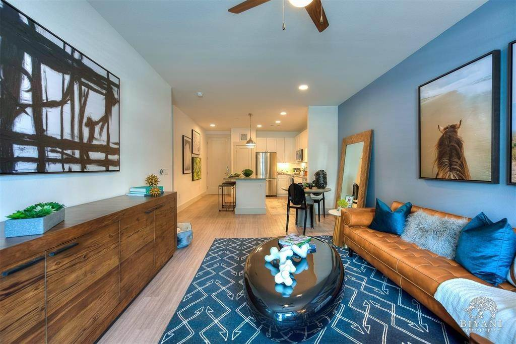 17. High or Mid-Rise Condo for Rent at 1330 Park West Green Drive #2312 1330 Park West Green Drive Katy, Texas 77494 United States