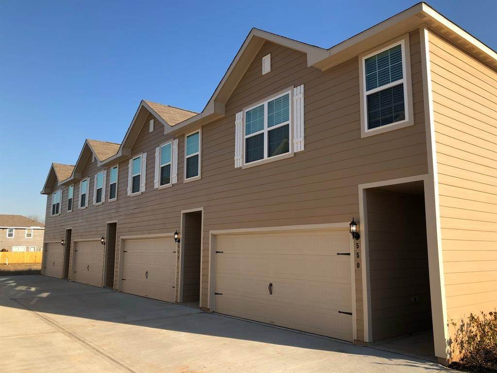 Condo / Townhouse for Rent at 550 Soloman Lane Brookshire, Texas 77423 United States