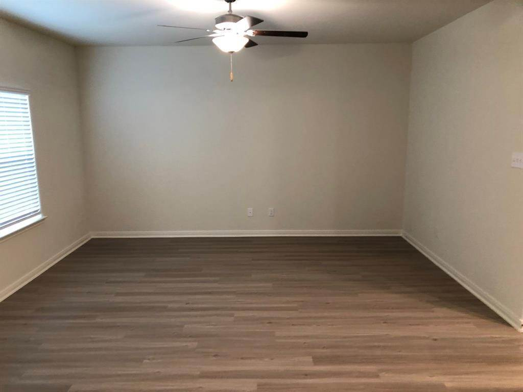 18. Condo / Townhouse for Rent at 560 Soloman Lane Brookshire, Texas 77423 United States