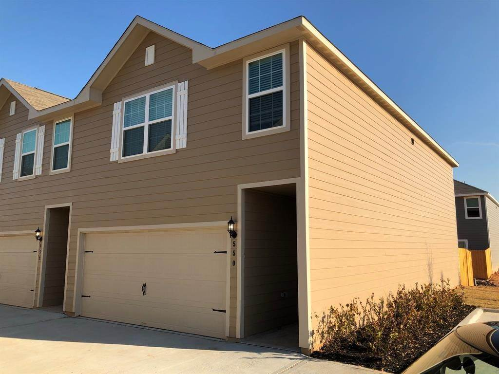 4. Condo / Townhouse for Rent at 560 Soloman Lane Brookshire, Texas 77423 United States