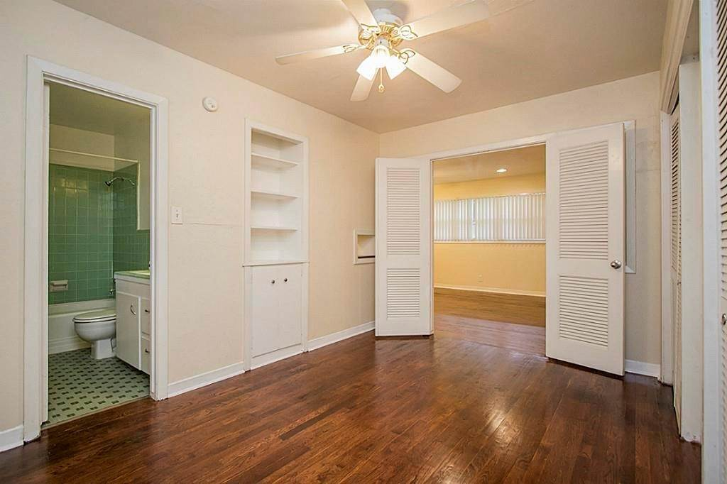 12. Single Family Homes for Rent at 3520 Garrott Street #2 3520 Garrott Street Houston, Texas 77006 United States