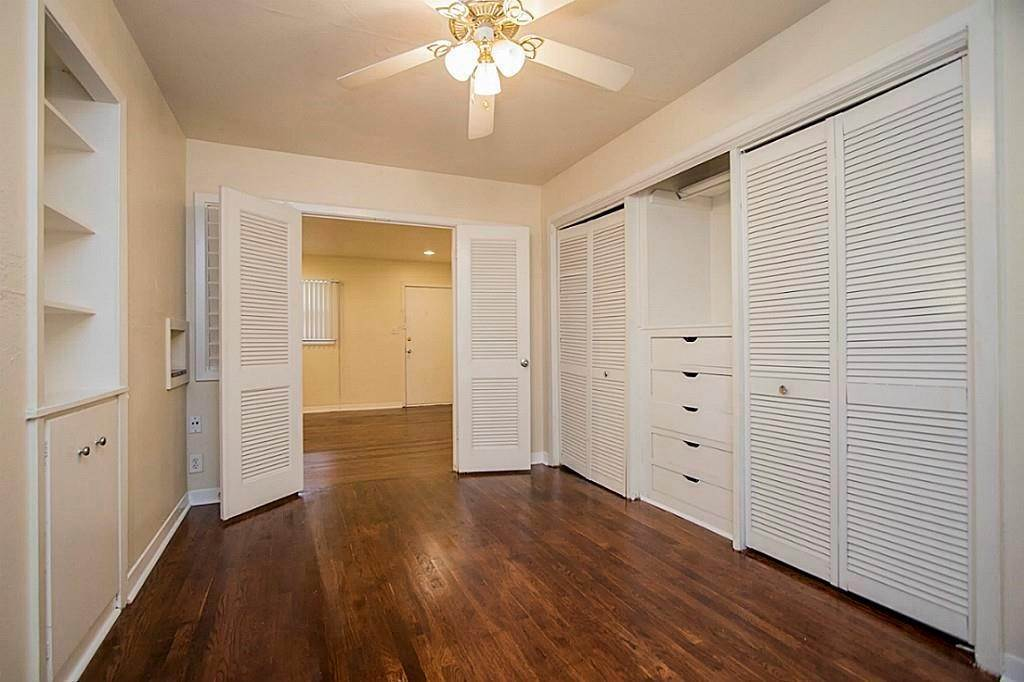 14. Single Family Homes for Rent at 3520 Garrott Street #2 3520 Garrott Street Houston, Texas 77006 United States